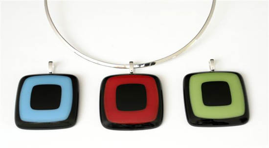 Reward: Glass pendant by Marie Hoglund - choice of colours