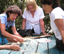 Wilma's basket weaving workshop at Mossman Gorge