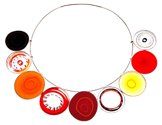 Stunning necklet, made up of separate glass discs