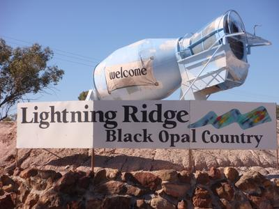 Welcome to Lightning Ridge at the turn off into town 2012 photo Linda Jackson